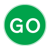 Προχωρήστε ή προχώρα για προσωρινά οδικά έργα με χρήση πινακίδας με το χέρι